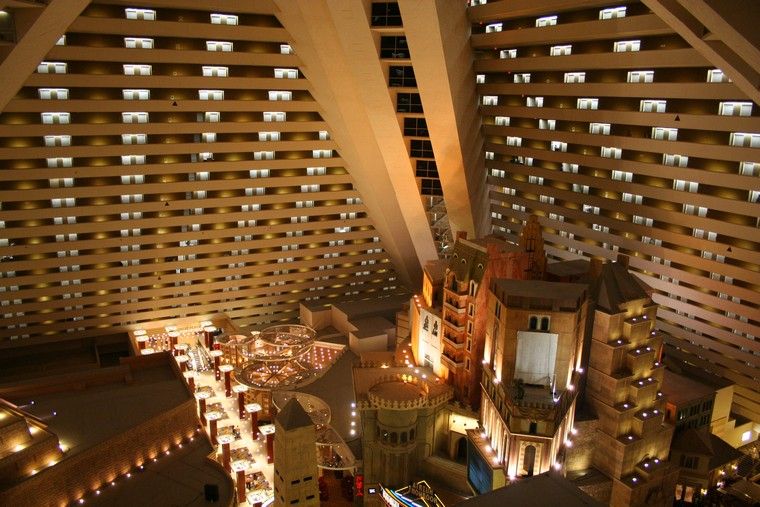 Luxor Hotel And Casino Rooms