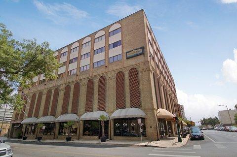 Riverwalk Plaza Hotel Amp Suites San Antonio Tx
