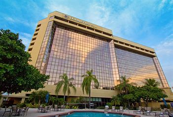 Doubletree By Hilton Amp Miami Airport Convention Center