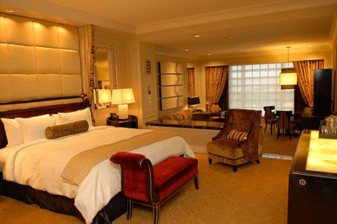 Golden palm casino hotel