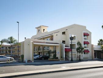super 8 motel san diego. Black Bedroom Furniture Sets. Home Design Ideas